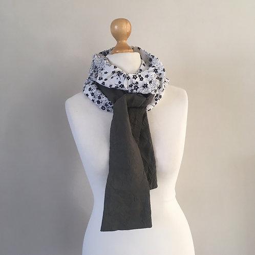 Snood foulard fleurettes bleues