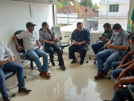 Dr. Júlio César de Medeiros, Promotor em Tarauacá faz visita institucional à Câmara