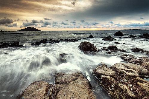 Ocean rocks tempered glass