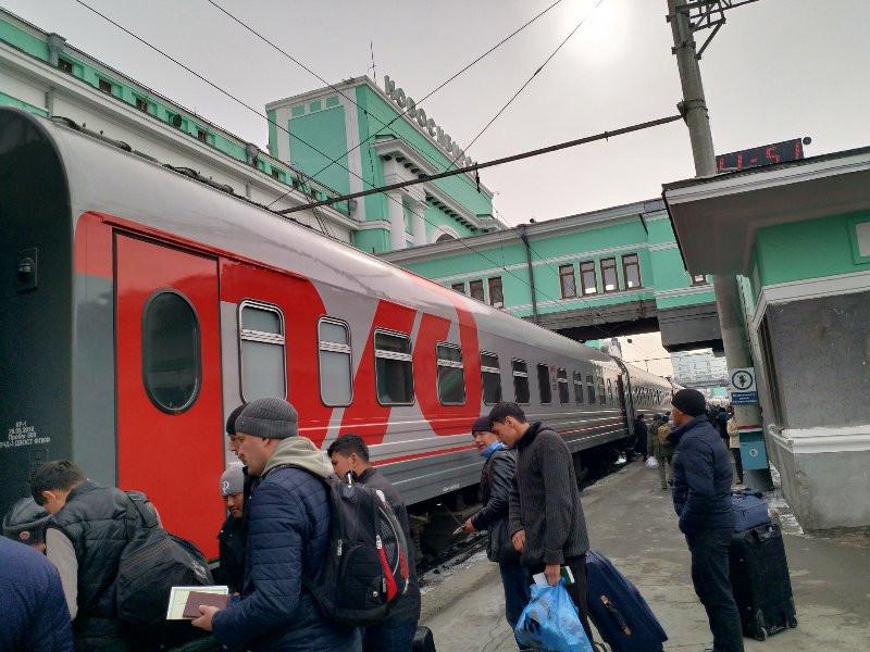 Die Transsibirische Eisenbahn in Nowosibirsk. Foto; In Lederhosen um die Welt