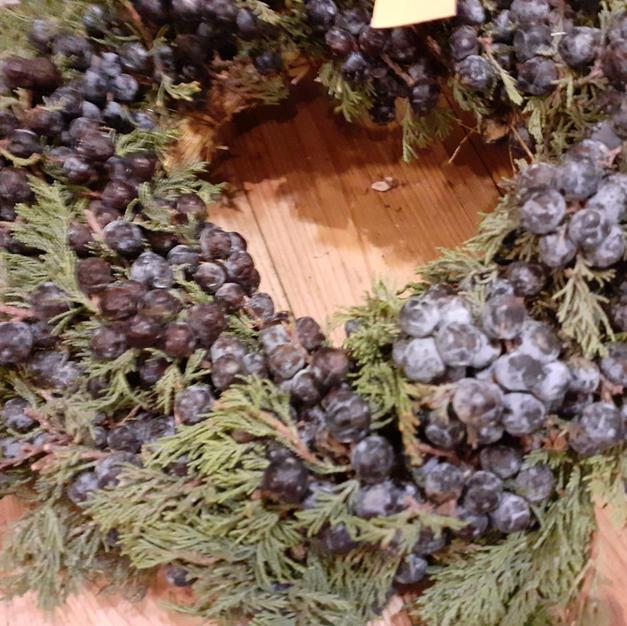 Krans met juniperus
