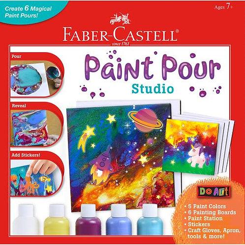 Paint Pour Studio