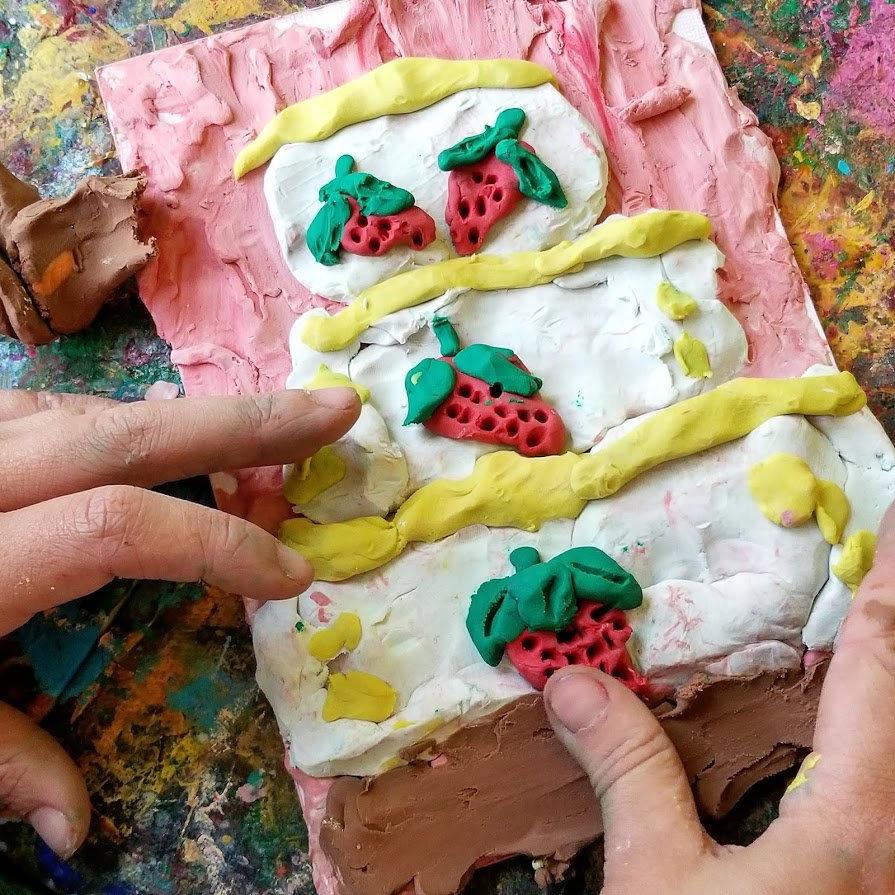 Messy Hands Sculpture Class