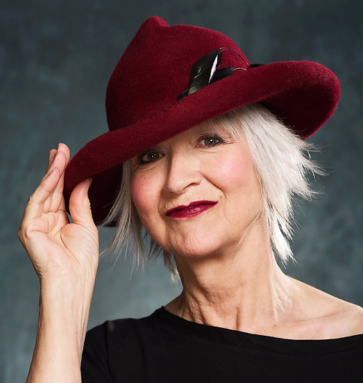 Elegant burgundy fur felt hat