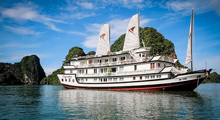 Signature-cruise-in-Halong.jpg