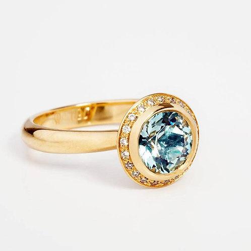 Engagement Ring 18k Gold, Solitere Ring. Stunning Aquamarine and Diamonds Ring,