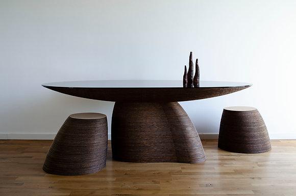 Stratum Saxum Table