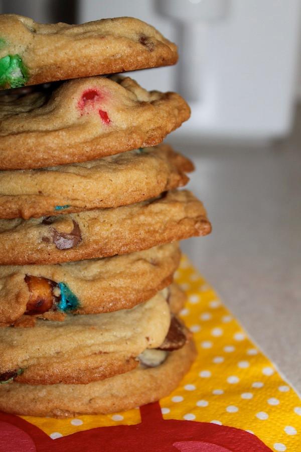 Pretzel M&M Chocolate Chip Cookies