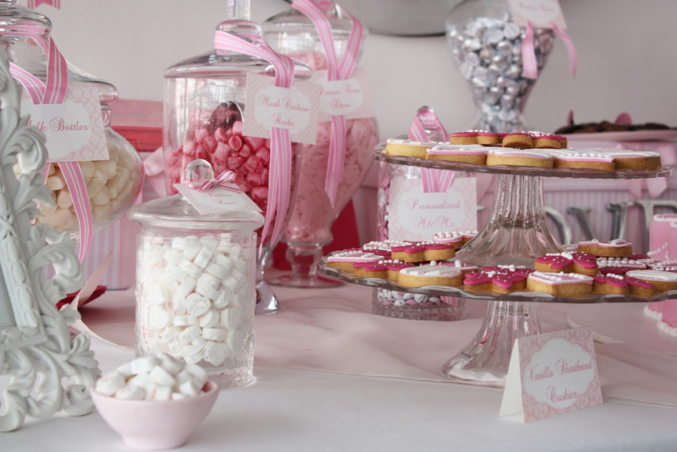 Candy Bar - Fun for Guests