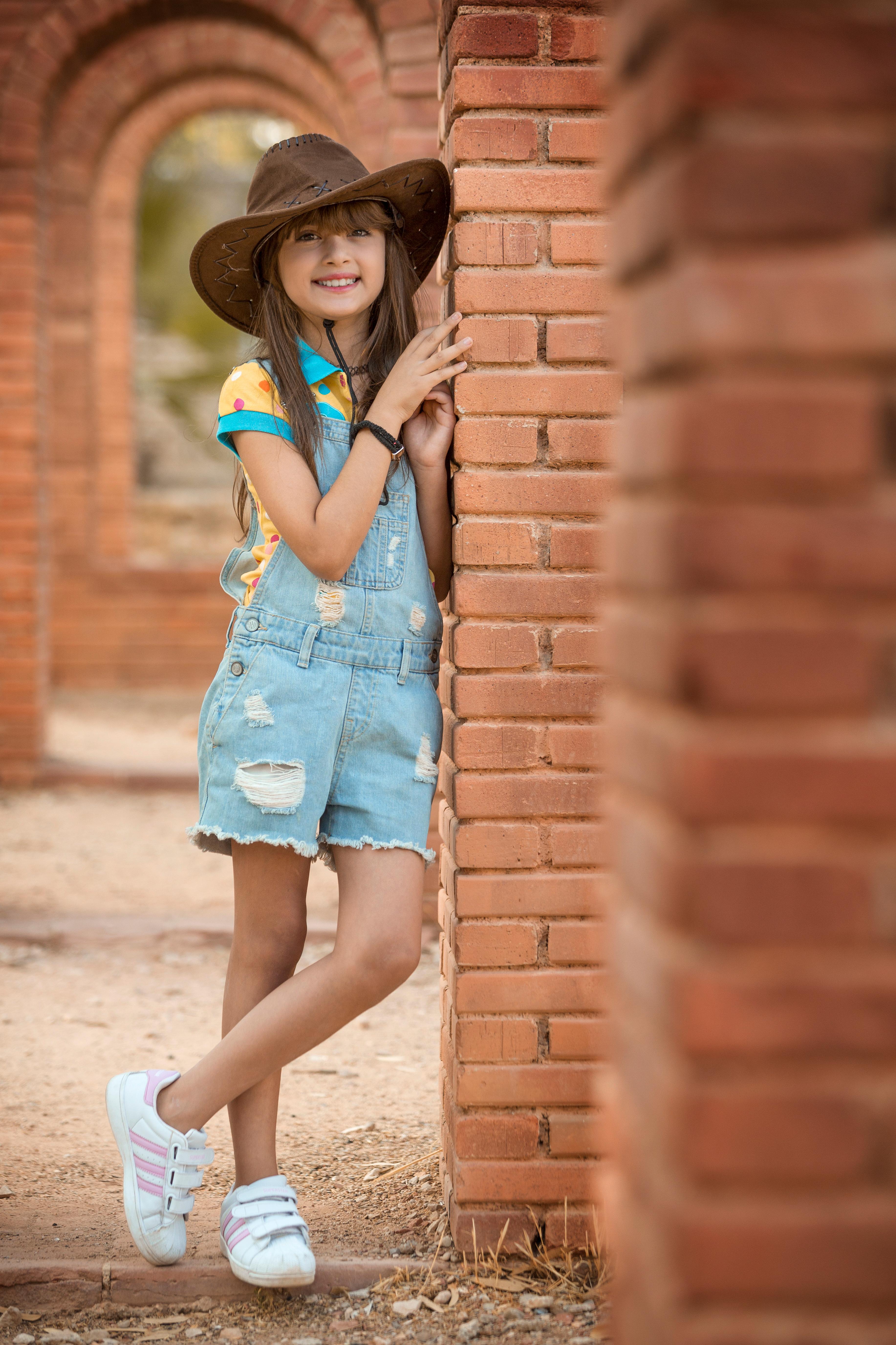 Lovely-Girl