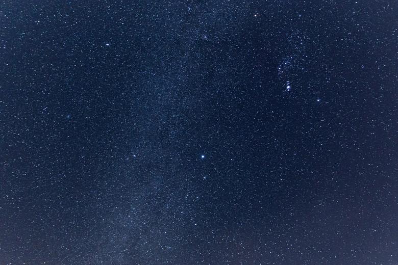 كيف تضيف النجوم إلى صورك الليلية