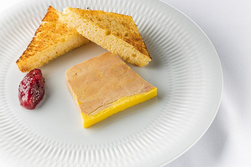 Foie gras au torchon à l'armagnac.jpg
