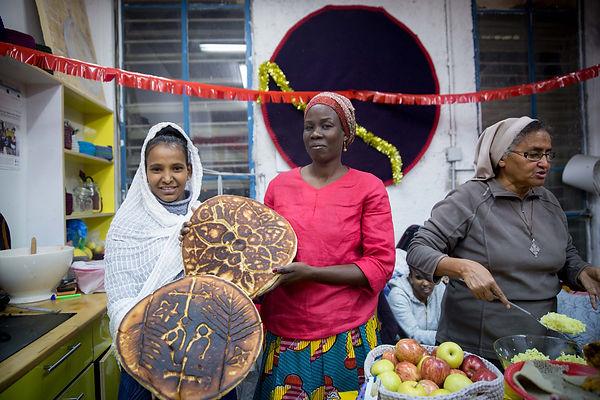 Kuchinate,קוצ'ינטה,kiryat hamelacha, collective,women support women, knitting, asylum, positie immigration tel aviv