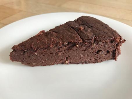 Honey-sweetened Chocolate Cake