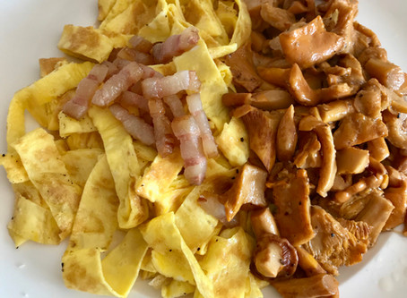 """""""Tagliatelle"""" with Bacon and Chanterelle"""