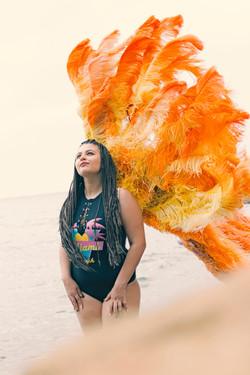 Curvy model Carmen Ro