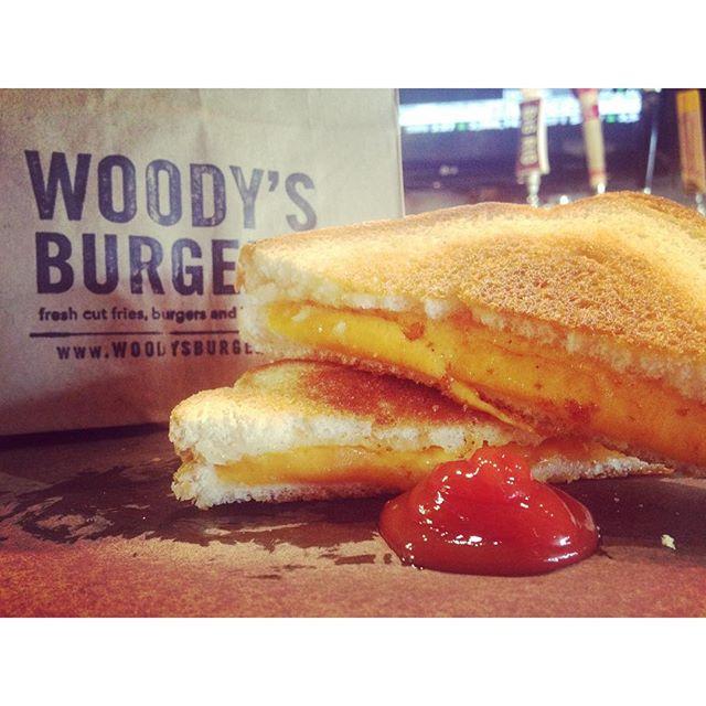 Happy International Grilled Cheese Day! #bigkidsmeal #woodys #woodysburgers #woodysburgersto #LongBr