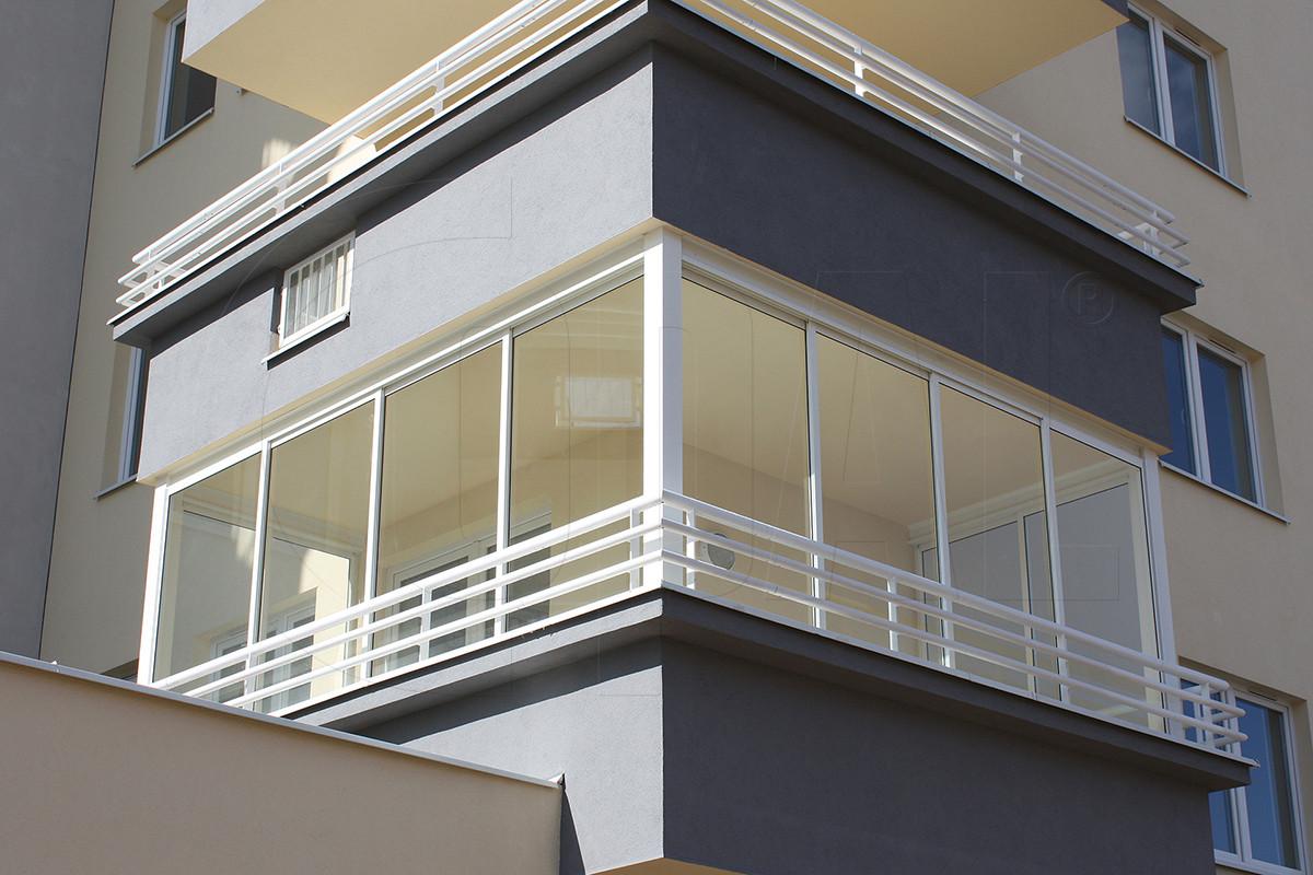 ramowa-zabudowa-balkonu-warszawa