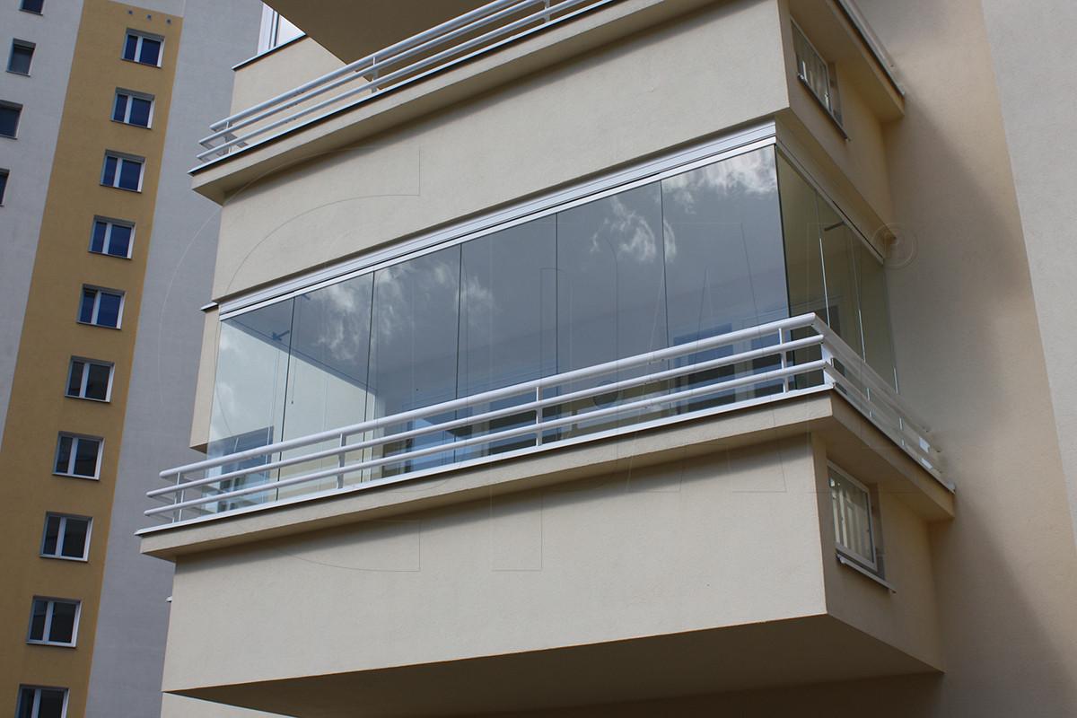 bezramowa-zabudowa-balkonu