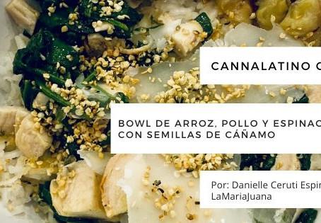 Bowl de arroz, pollo y espinacas al ajillo con semillas de cáñamo