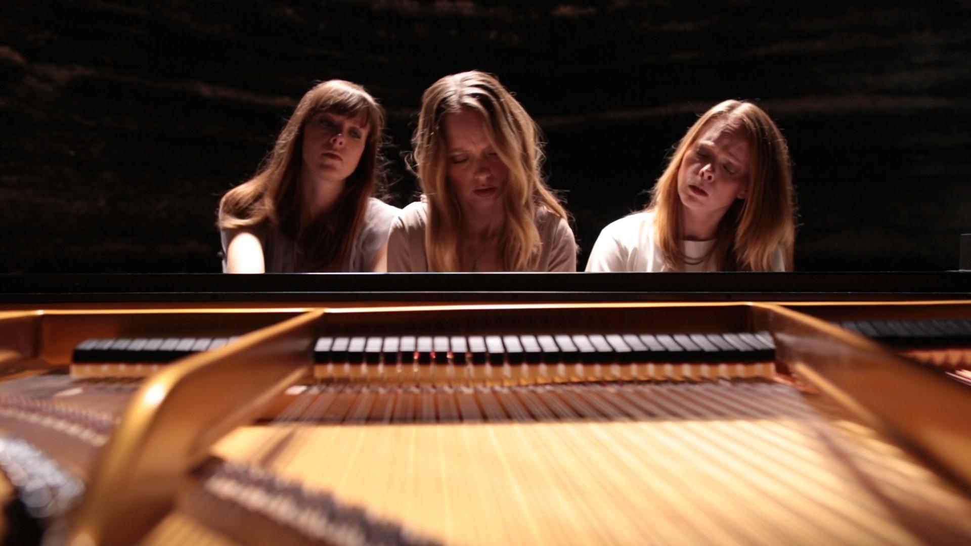 3 girls1