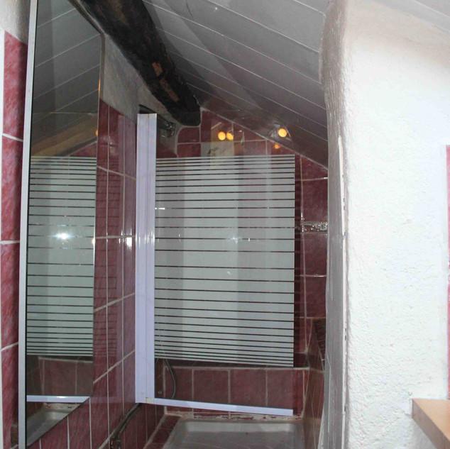 salle douche La Hulotte.jpg