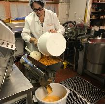 Cloudberry sauce production.PNG