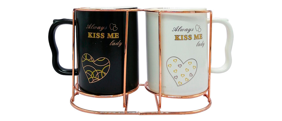 """Juego de 2 Tazas """"Kiss me 1""""."""