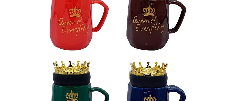 """Paquete de 4 Tazas """"Queen of everything""""con tapa de corona."""