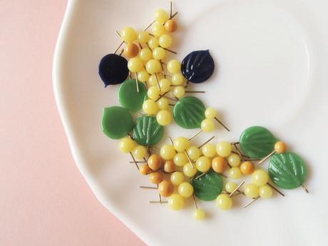 Dangling Grapes bead set