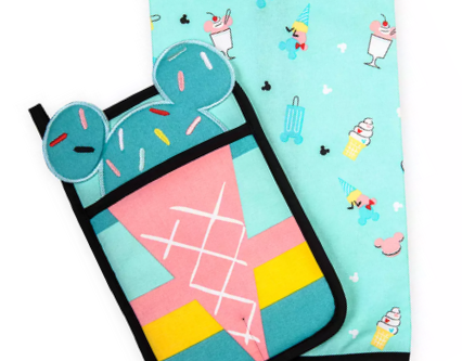 Mickey and Minnie Mouse Pot Holder and Kitchen Towel Set – Disney Eats
