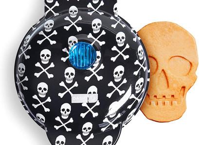 Amazon | Dash Mini Waffle Maker - Skull