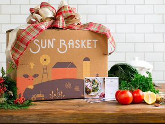Sun Basket Organic Meal Kits   Get $35 Off + 4 FREE Gifts & Free Shipping on First Order!