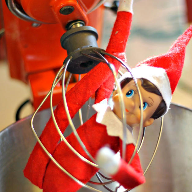 Mixin' It Up | Elf On The Shelf