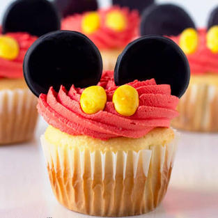How To Make These Easy Mickey Mouse Cupcakes