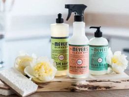 How to Score a FREE Mrs. Meyer's Cleaning Set w/ Your First Grove Order