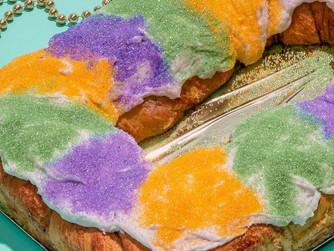 Mardi Gras Gambino's Traditional King Cake Kit