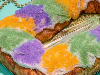 Mardi Gras Gambino's Traditional King Cake Kit