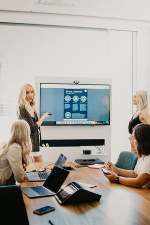 7 Benefits to Hiring a Social Media Agency
