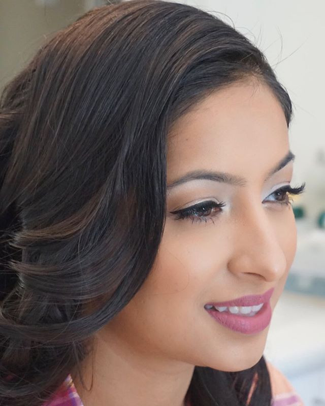 Clean and fresh makeup look. _Booking br