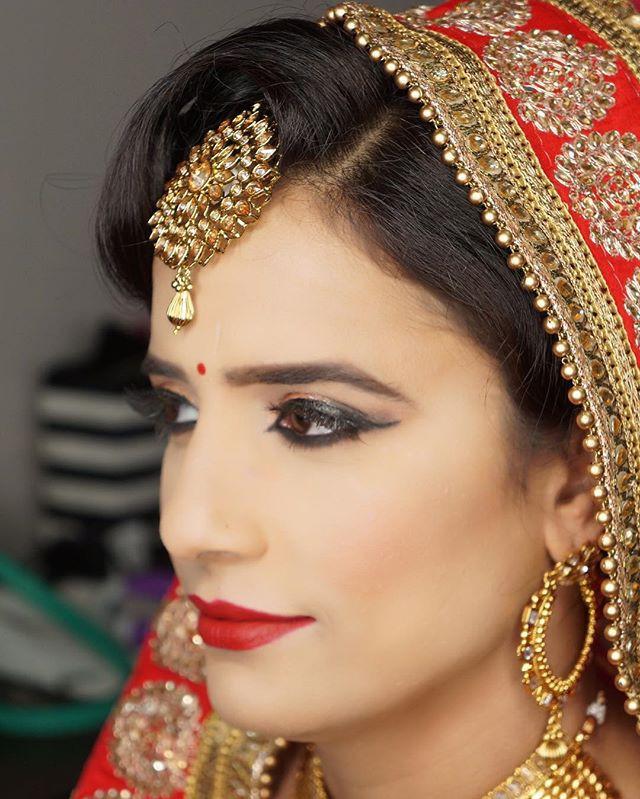 My bride is looking so beautiful 😍😍...