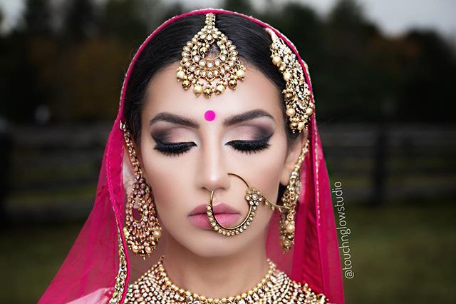 Mesmerized by this beautiful bridal look