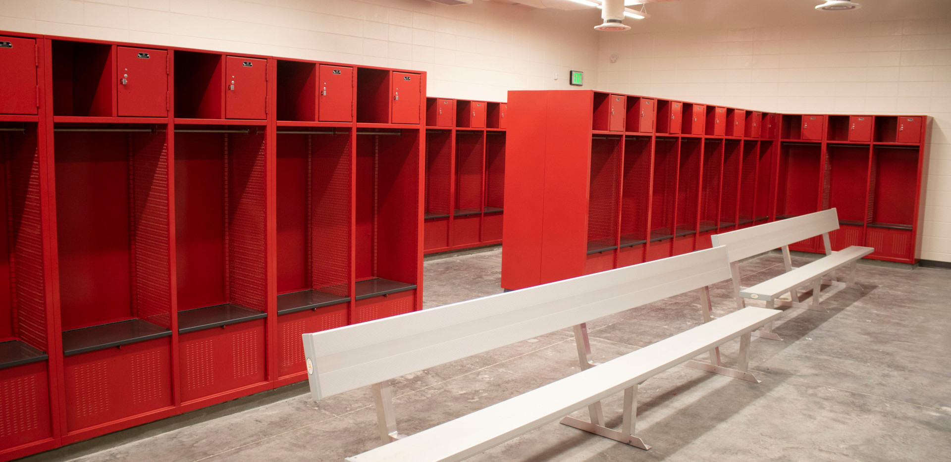 locker room.jfif