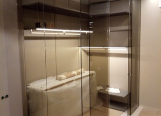 Перегородка в гардероб с раздвижной дверью