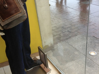Витрина из стекла в магазин