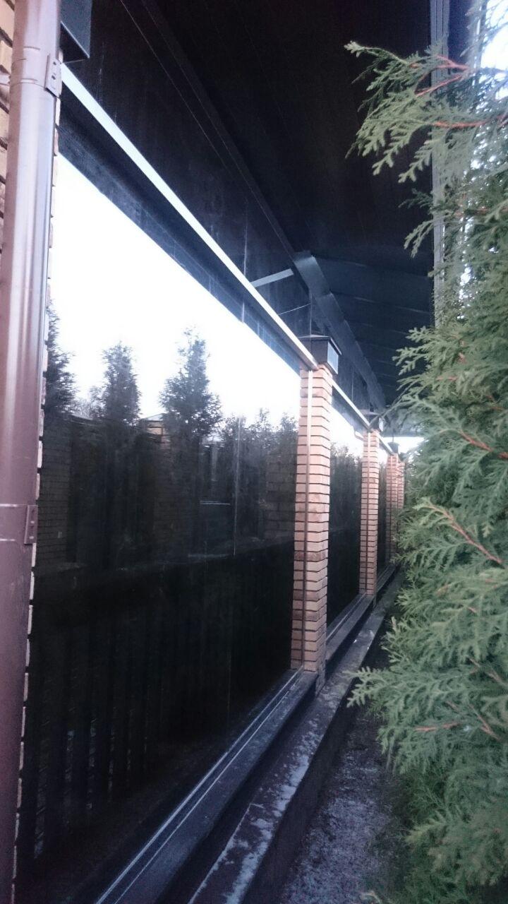 Стеклянная перегородка на террасе