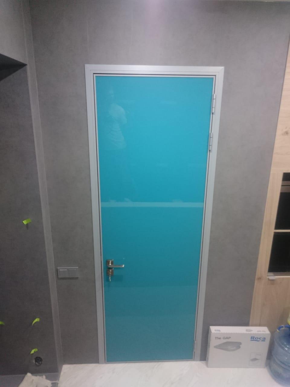 Межкомнатная стеклянная дверь