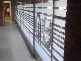 Офисные перегородки с дверьми