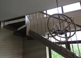 Лестница на стальном косоуре