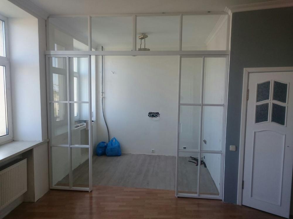 Лофт перегородка с раздвижными дверьми